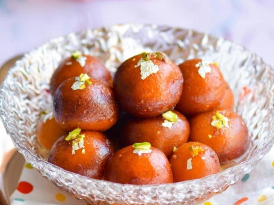 Easy Gulab Jamun Recipe: Make Indian Rose Cake