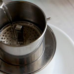 Rinse the filter through boiling water