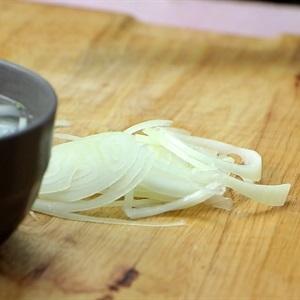slice onion