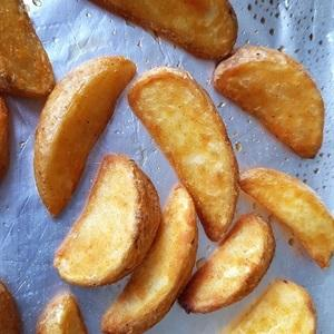 Put the potatoes on the baking tray