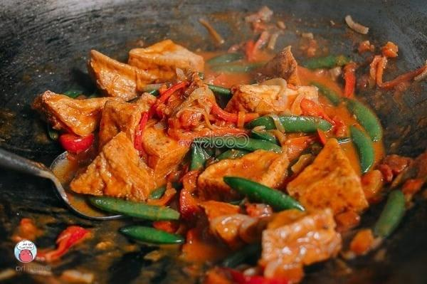 add other ingredients and stir-fry