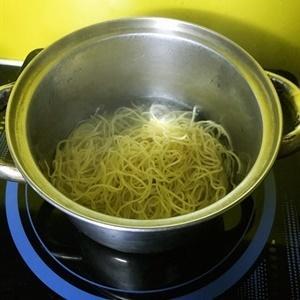 soak ramen noodles