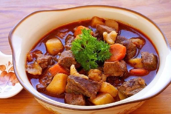 How To Braise Beef: Make Beef Braised With Potatoes