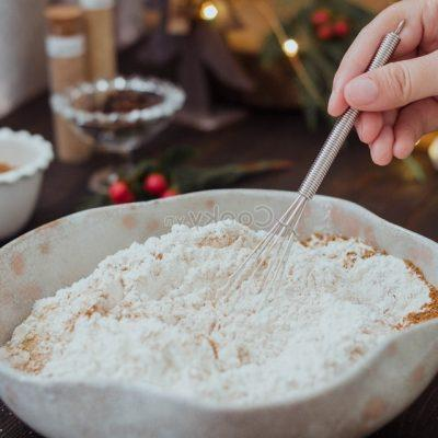 mix the wheat flour with other powders