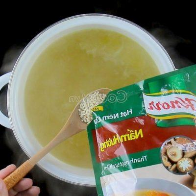 add seasoning into the pot of broth