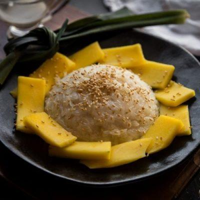 how to make coconut milk sticky rice with mangoes