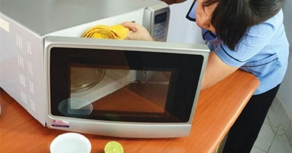 Swabbing microwave with warm vinegar and soft towels will remove the bad smell