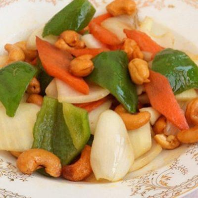 cashew sitr-fry with onion