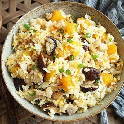 fried rice with meat and pumpkin