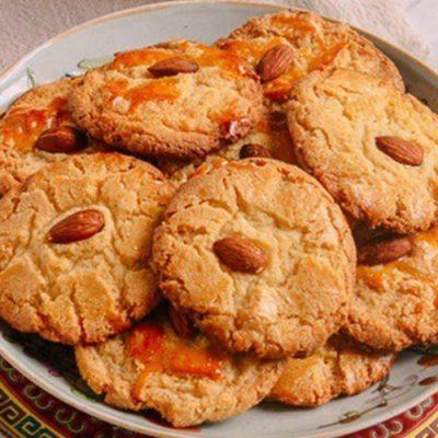how to make almond egg biscuits
