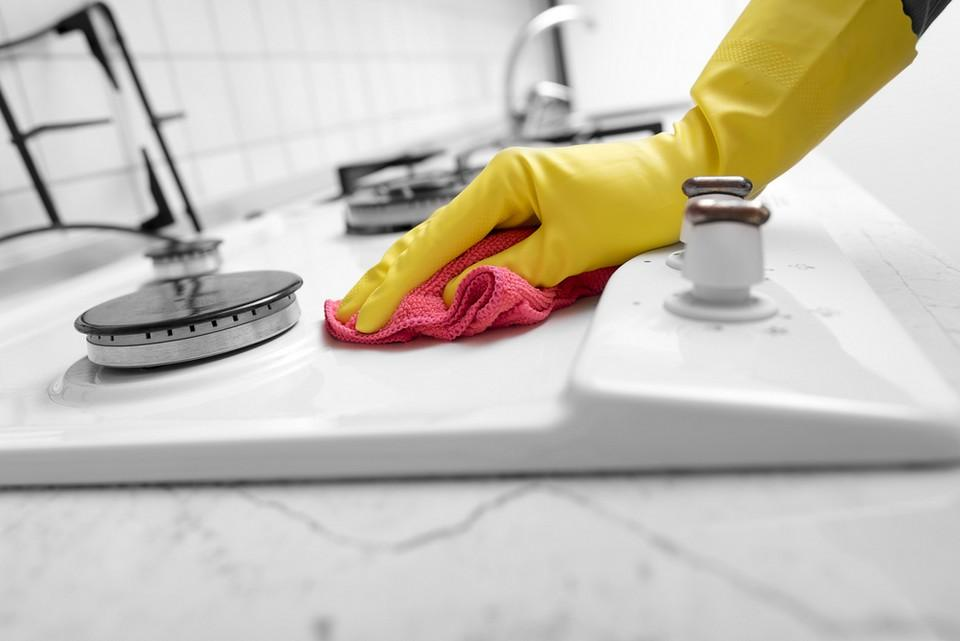 These tips to deodorize the kitchen utensils make it easier and simpler for the housewives to keep the kitchen clean