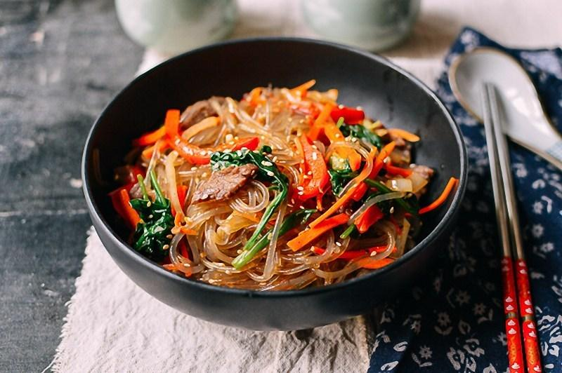 How To Make Korean Mixed Noodles
