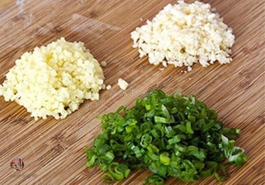 chop ingredients