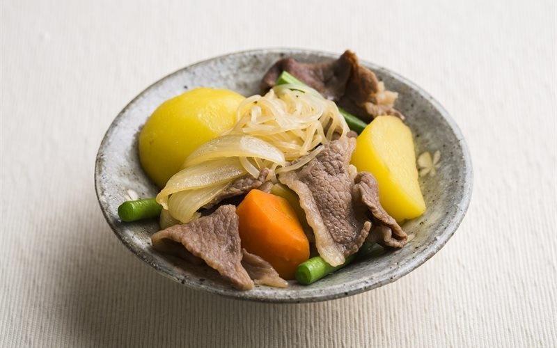 How To Make Beef And Potato Stew (Nikujaga)