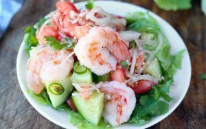 how to make Thai shrimps and cucumbers salad