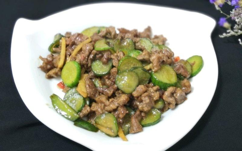 Spicy Beef Stir-fried With Cucumber