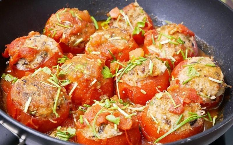 How To Make Tomatoes Stuffed With Pork