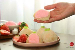 Mochi with ice cream
