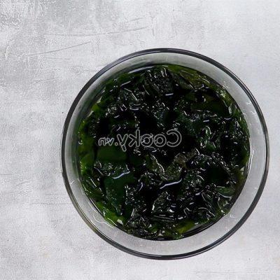 soak seaweed
