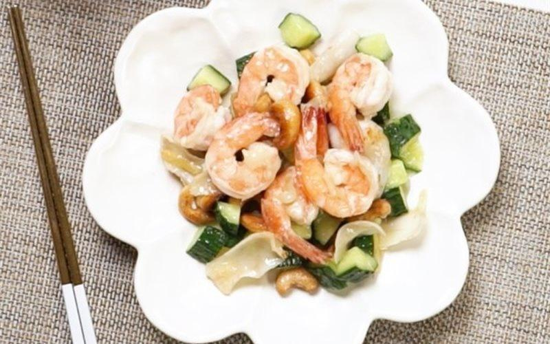 Stir-fry Shrimps With Cashew Nuts