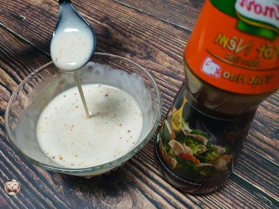 mix coconut milk to make sauce