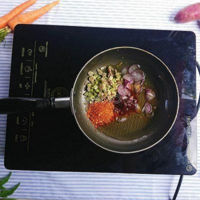 stir-fry chopped lemongrass and add curry