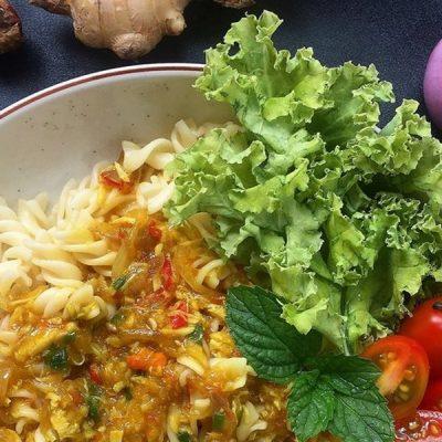 How to make sambal crabs with macaroni