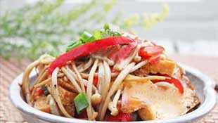 Enoki Stir-fry With Tofu