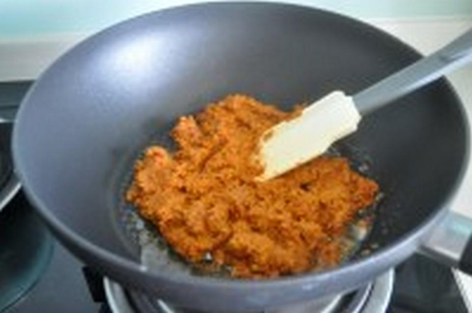 stir-fry sambal mixture